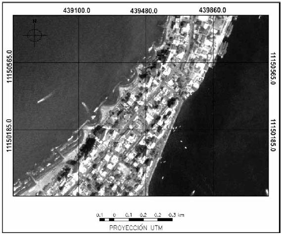 Imagen de Google Earth georreferenciada de la zona de Boca Grande, donde es posible visualizar las obras de ingeniería para la contención de la erosión costera.